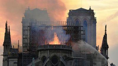 Trào nước mắt trước lời hát của hàng chục danh ca opera Nga về Nhà thờ Đức Bà Paris