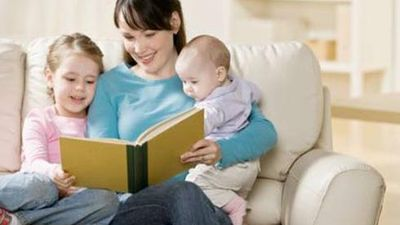 Những lợi ích từ việc đọc sách cho trẻ nhỏ