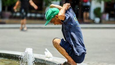 Nắng nóng trên cả nước, hàng chục bệnh nhân nhập viện vì đột quỵ