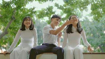 MV Mùa hạ thoáng qua - Phương Mỹ Chi, Quang Nhật, Phương Duyên