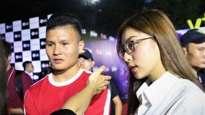 Quang Hải và bạn gái gây chú ý tại buổi chiếu phim 'Avengers: Endgame'