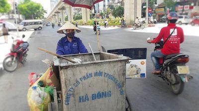 Nỗi khổ của công nhân môi trường ngày nắng nóng
