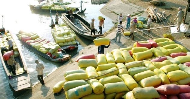 Việt Nam nhập siêu gần 1,9 tỷ USD trong nửa đầu tháng 5