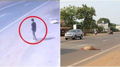 Clip: Kinh hoàng người đàn ông lao vào xe khách tự tử