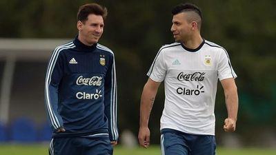 Maradona, Messi và Aguero từng là người trong một nhà