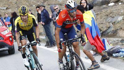 Giro d'Italia: Bị Roglic 'kèm chặt', Nibali nổi cáu