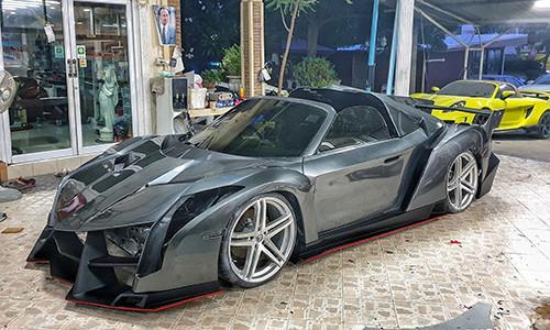 Toyota MR2 'nhái' siêu xe Lamborghini Veneno như đúc