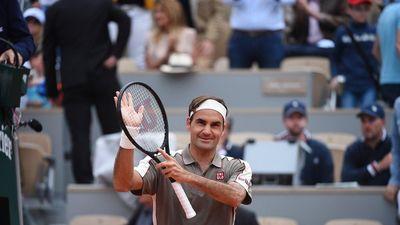 Roland Garros: Thắng tay vợt hạng 73 thế giới 18-10, Federer khởi đầu sảng khoái