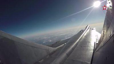 'Sát thủ đánh chặn' Nga MiG-31 bay tới độ cao cận vũ trụ