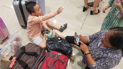 Khách của VietJet vạ vật ở sân bay vì bị chậm chuyến đến 24 giờ