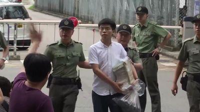 Thủ lĩnh biểu tình Hong Kong Joshua Wong ra tù