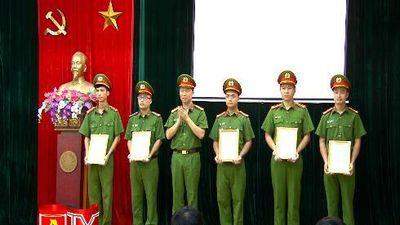82 cán bộ chiến sĩ phòng CSHS được thăng cấp bậc hàm, nâng bậc lương