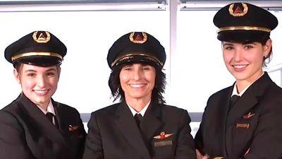 Gia đình 3 nữ phi công đầu tiên của hãng hàng không Mỹ