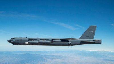 'Pháo đài bay' B-52 lần đầu mang tên lửa siêu thanh uy lực của Mỹ