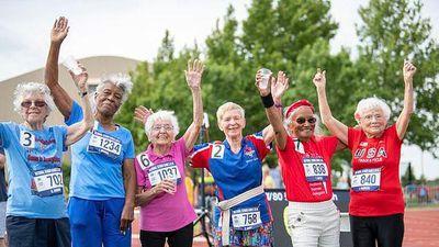 Cụ bà 103 tuổi phá kỷ lục thế giới: chạy 50m chỉ mất 21.09 giây