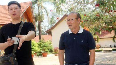 Hôm nay HLV Park Hang Seo về Hàn Quốc, 'chưa vội gia hạn hợp đồng'