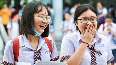 'Đề thi Tiếng Anh có những câu dễ như cho không điểm'