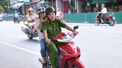 Nữ sinh ngủ muộn được công an Hà Giang chở đi thi đỗ tốt nghiệp