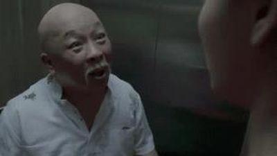 'Về nhà đi con': Vũ ghen với Dũng, Huệ bị sàm sỡ trong thang máy