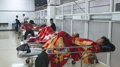 Lật xe khách ở Đắk Lắk: 1 nạn nhân phải phẫu thuật nối cánh tay đứt lìa