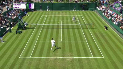 Những pha bóng đỉnh cao tại Wimbledon 2019