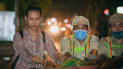 Thí sinh Hoa hậu Thế giới Việt Nam chui ống cống, dọn rác lúc nửa đêm