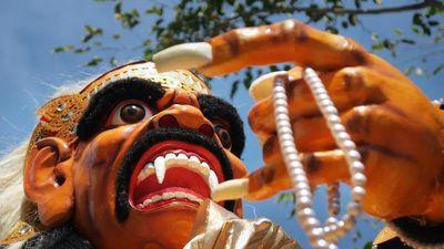 Bí ẩn những chiếc mặt nạ ghê rợn chứa linh hồn ở Bali