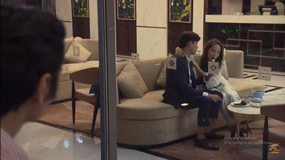 'Về nhà đi con' tập 69 Preview: Ông Sơn bất ngờ bắt gặp Vũ thân mật với Nhã