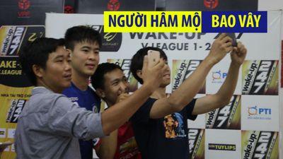Fan Sài Gòn bo vây sao Hà Nội