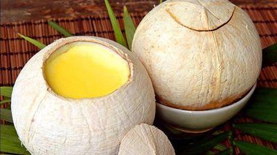 Mới lạ món trứng hấp trái dừa núng nính, vàng óng