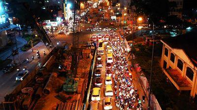 Dân phàn nàn về tiến độ chậm chạp của dự án cầu Thủ Thiêm 2