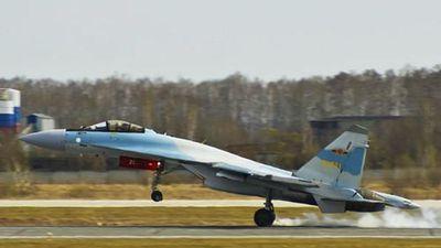 Cận cảnh chiến đấu cơ Su-35 Trung Quốc mới đưa vào biển Đông