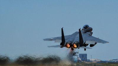 Máy bay Hàn Quốc bắn cảnh cáo oanh tạc cơ Nga 'xâm phạm không phận'