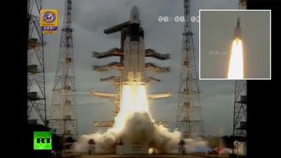 Khoảnh khắc tàu Chandrayaan 2 của Ấn Độ rời bệ phóng để thăm dò Mặt Trăng