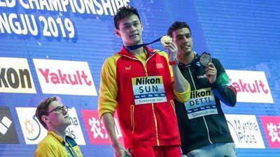 Nhà vô địch Olympic ủng hộ hành động không đứng chung bục với Sun Yang