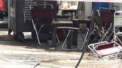 Ngồi uống càphê, một người bị dây điện rơi trúng lưng tử vong