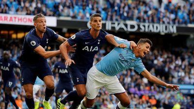 Sau trận Man City - Tottenham, còn ai tin công nghệ VAR?