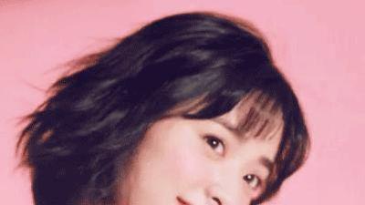 Thẩm Nguyệt khoe giọng hát dễ thương trên truyền hình