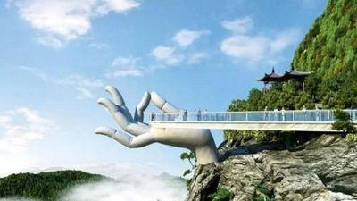 Tận mắt cây cầu Trung Quốc gây sốt vì giống Cầu Vàng Việt Nam
