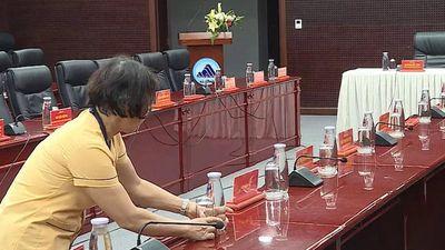 Trung tâm hành chính Đà Nẵng thay thế chai nhựa bằng thủy tinh