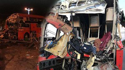 Hiện trường thảm khốc vụ 2 xe giường nằm tông nhau khiến 21 người thương vong