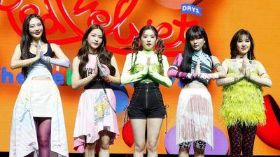 Red Velvet - nhóm nhạc Hàn toàn bị stylist cho mặc đồ thảm họa