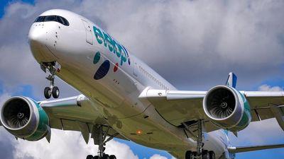 Máy bay rơi vào vùng nhiễu động, hành khách 'bay tự do' trong khoang