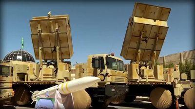 Iran khoe tên lửa khiến S-300 Nga phải 'dè chừng'
