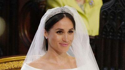 Công nương Meghan Markle không đánh kem nền cả mặt trong ngày cưới