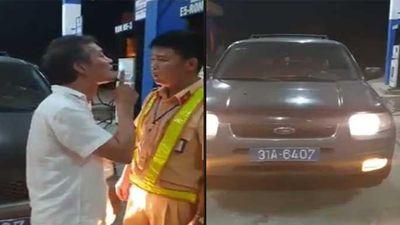Tài xế ô tô biển xanh chửi bới, tát CSGT Thanh Hóa