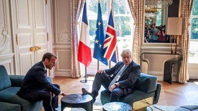 Bức ảnh khiến tân Thủ tướng Anh 'hứng bão' khi lần đầu thăm Pháp