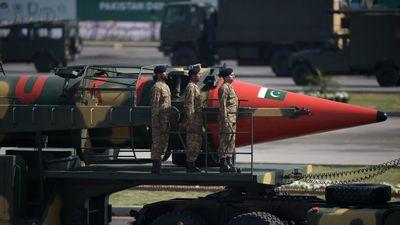 Thủ tướng Pakistan úp mở khả năng chiến tranh hạt nhân với Ấn Độ
