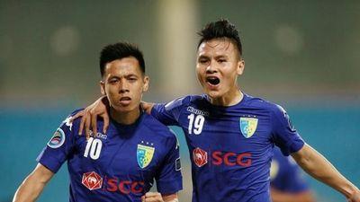 Quang Hải, Văn Quyết và ông thầy Chu Đình Nghiêm càng quét các giải thưởng tháng 8 V.League 2019