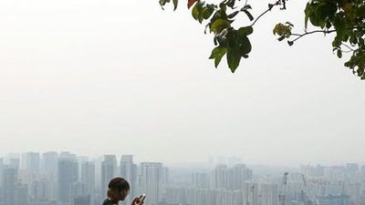 Singapore ngập khói do cháy rừng từ Indonesia